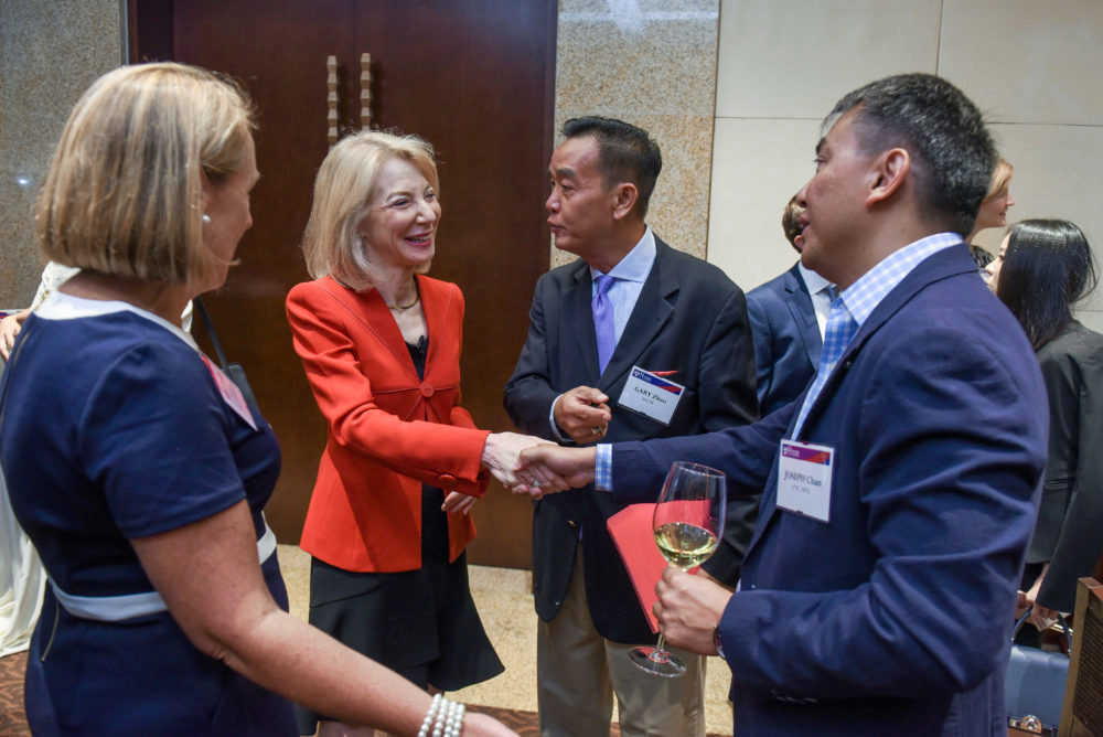 Dr. Gutmann at the all-alumni event in Beijing thanking Penn's Alumni Clubs in China for their phenomenal levels of engagement